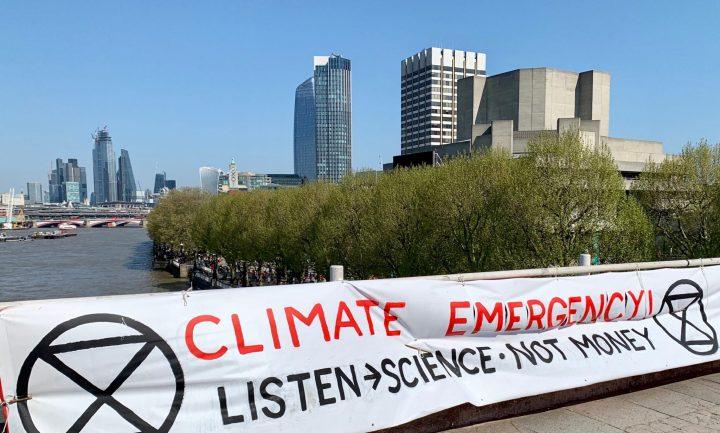 Επείγον για το κλίμα: διαμαρτυρίες των Extinction Rebellion στο Λονδίνο