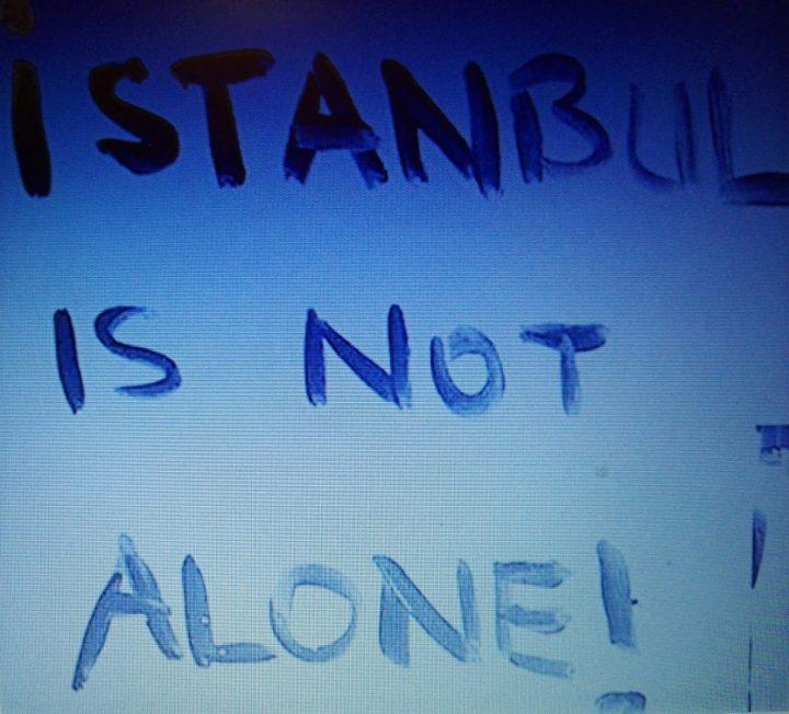 Profesores italianos protestan por la libertad de expresión en Turquía