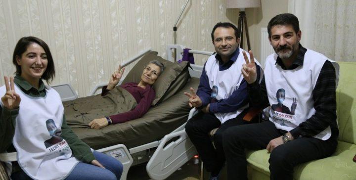 Solidarietà con i curdi in sciopero della fame
