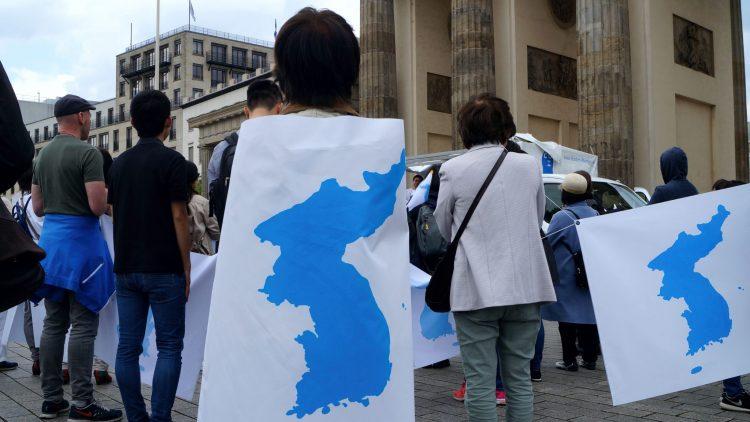 Menschenkette Korea Weltfrieden1