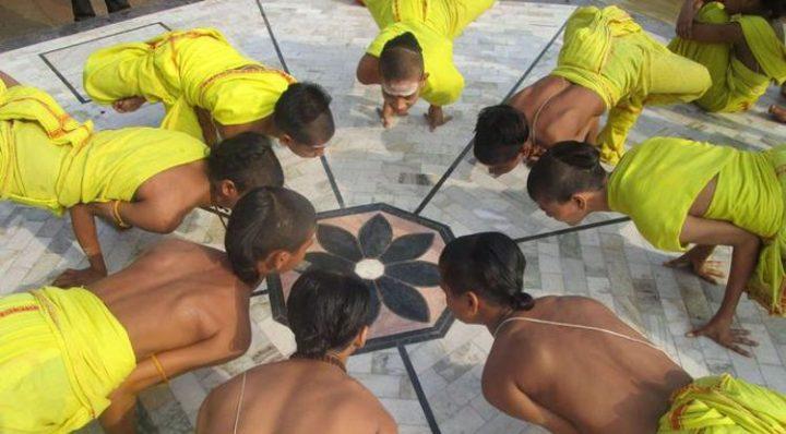 Das Yoga-Waisenhaus in Varanasi, Indien