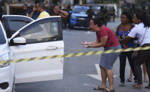 80 colpi: l'esercito può sparare su chi vuole, a Rio de Janeiro
