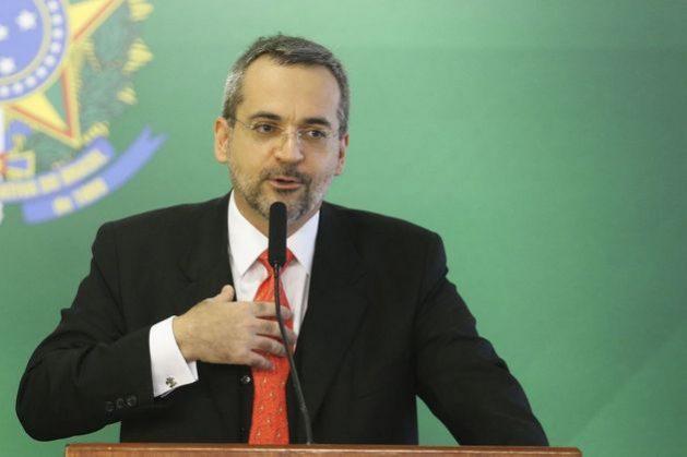 La Guerra Fría sigue viva para gobierno ultraderechista de Brasil