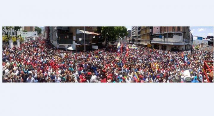 [Tentative de coup d'état au Venezuela] Le peuple appuie massivement le Président Nicolás Maduro