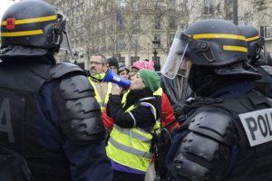 Gelbwesten Akt 24: Macrons Zugeständnisse lösen die Krise nicht