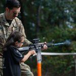 Formazione dell'esercito con i bambini