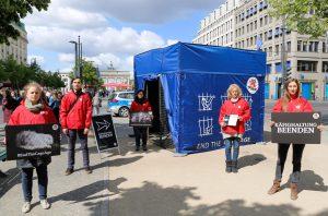 """Campaña de bienestar animal en Berlín: un comienzo con éxito de la semana de campaña a nivel de Europa para la iniciativa de la Unión Europea «End the Cage Age"""""""