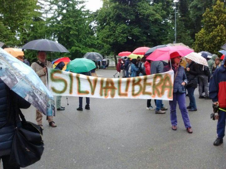 Milán, gran participación en la «ronda por Silvia»