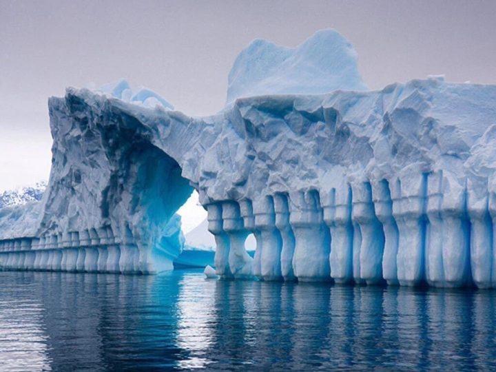 Antartide: si sta sciogliendo una piattaforma di ghiaccio grande quanto la Francia