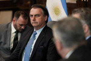 Com Bolsonaro, Brasil corre risco de se tornar uma 'idiocracia', diz Le Monde