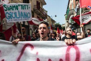 Corteo ad Arzano (Napoli) contro licenziamento politico