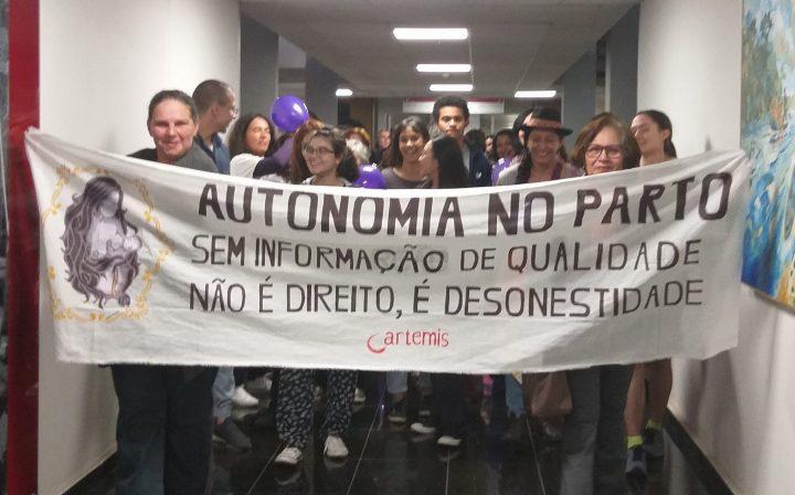 Brasil: enfrentam o projeto de lei que aumentará o risco de vida de mulheres e recém-nascidos