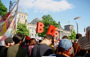 Protesta contra la moción anti-BDS del Parlamento alemán