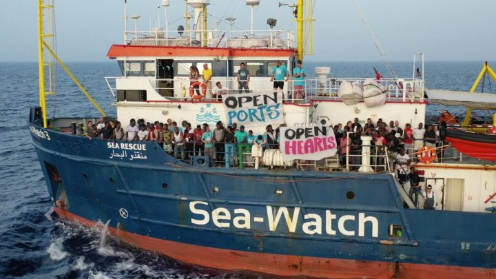 Carola Rackete indagata. In due giorni raccolti 300.000 euro per la Sea Watch