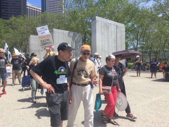 Veteranos hacen un llamado a la paz