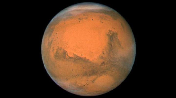 El Curiosity capta un misterioso destello blanco en Marte
