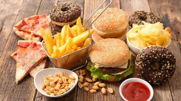Estudio: una dieta alta en calorías avanza el deterioro del cerebro