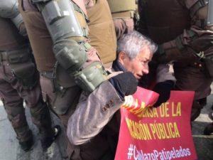 Chile: foram presos Mario Aguilar e outros 38 professores que se manifestavam pacificamente