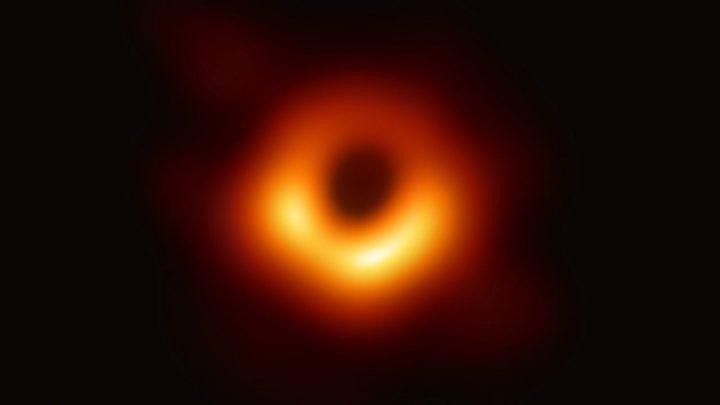 """Come uscire dal """"buco nero"""" della politica italiana?"""
