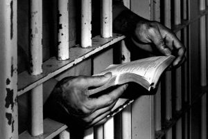 """Carceri, due suicidi in due giorni. Antigone: """"discutere la nostra proposta di legge"""""""
