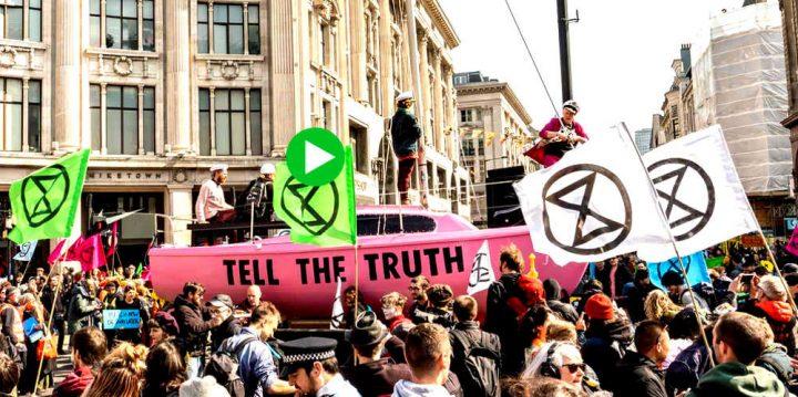 Extinction Rebellion Bologna: sciopero della fame in Piazza Maggiore