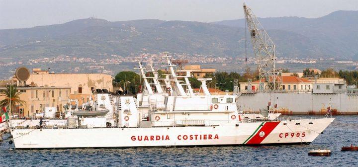 Migranti, ok allo sbarco di 16 minorenni dalla nave Gregoretti