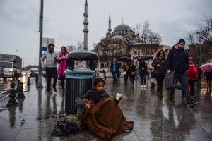Persecución de sirios en Estambul: detenciones, redadas y repatriación forzosa de refugiados sirios a Turquía