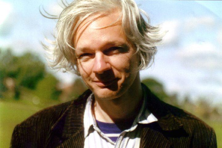 Selon l'écrivain Michel Collon, de grandes manifestations citoyennes sont nécessaires pour sauver Julian Assange
