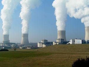 "Energía nuclear ""siete décadas de ruina económica"", según nuevo informe"