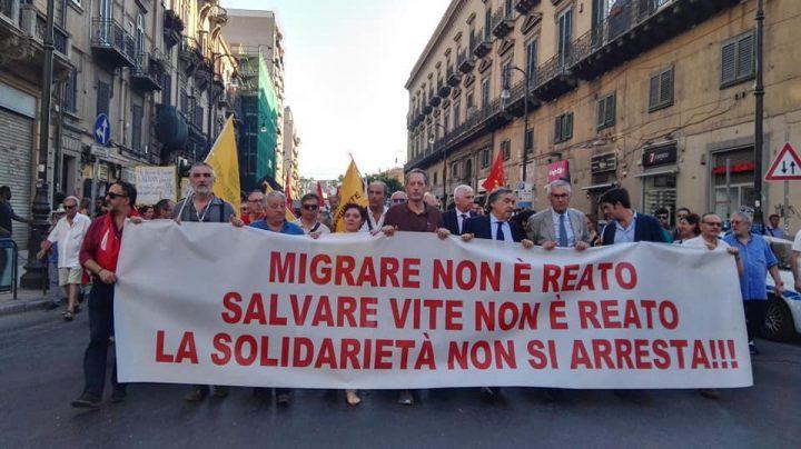 Carola è libera. Corteo di solidarietà a Palermo