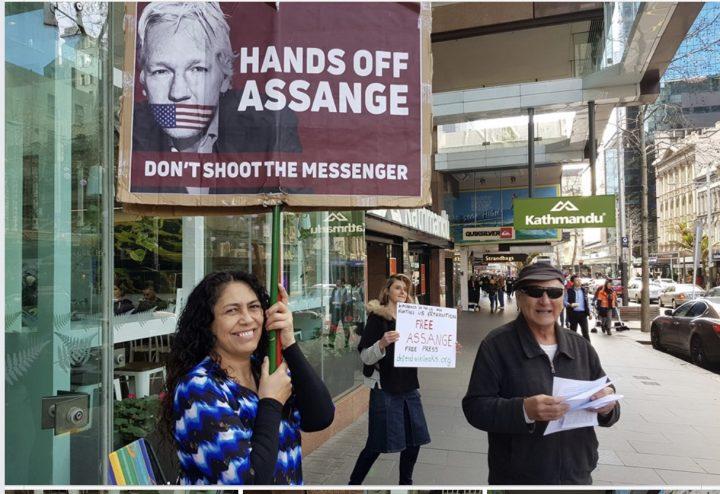 Assange no debe morir también en la cárcel