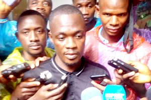 Musellement de la presse guinéenne : des organisations professionnelles des médias tiennent un sit-in devant la Haute Autorité de la Communication (HAC)