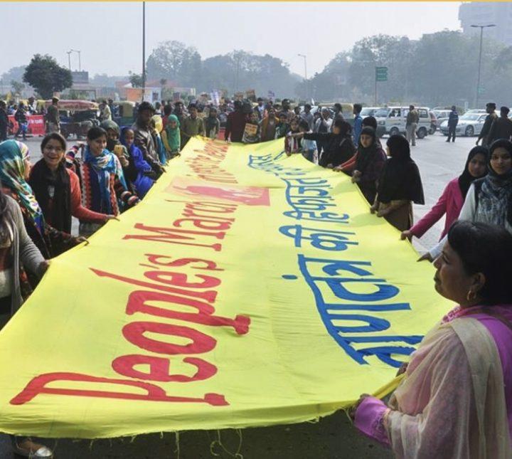 Mujeres lideran la lucha para preservar la democracia india frente al creciente nacionalismo hindú