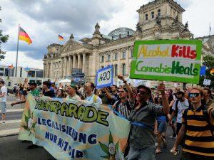 8.000 Menschen fordern auf Hanfparade die Legalisierung von Cannabis