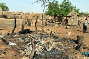 Des groupes armés peuls et dogons signent des accords de « cessation des hostilités »