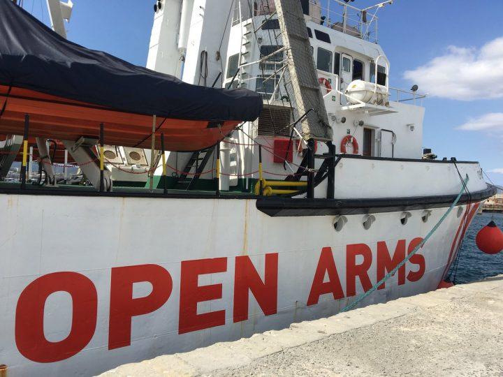 Open Arms, disposto il sequestro della nave e lo sbarco dei migranti