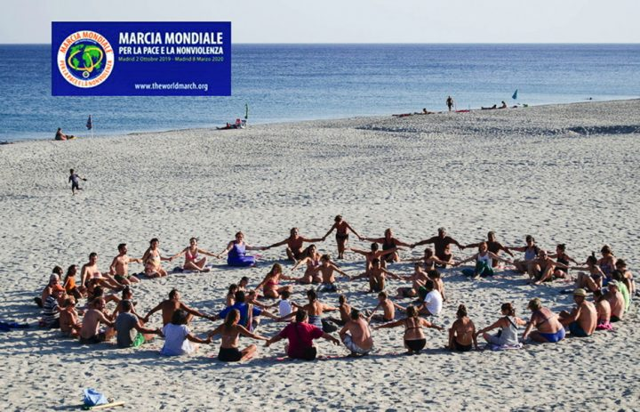 Caulonia (Italie) : la nonviolence et son symbole en vue de la deuxième Marche mondiale pour la Paix et la Nonviolence