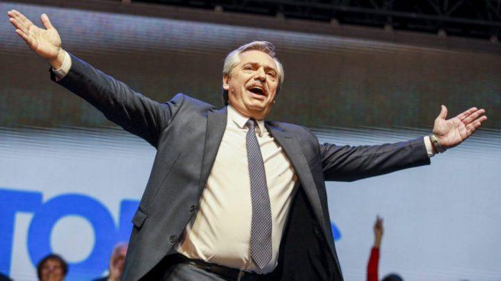 Unidad política ante el derrumbe social, la clave del contundente triunfo progresista en Argentina