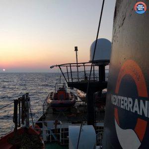 Salvini firma il divieto d'ingresso per la nave tedesca Eleonore.  Allarme per un altro naufragio nel Mediterraneo