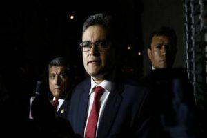 Fiscal anticorrupción de Perú denuncia que lo quieren silenciar