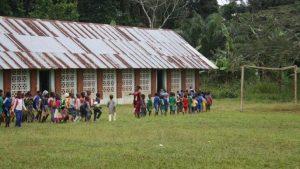 Un conflicto independentista en Camerún deja a 600.000 niños sin vuelta al cole