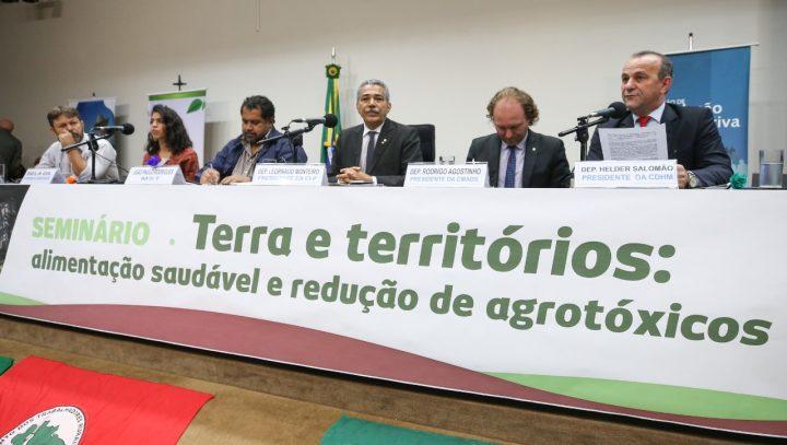 Seminário sobre terra e territórios marcam lançamento da Frente Parlamentar de Agroecologia