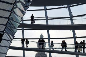Mais da metade dos alemães vê democracia sob ameaça