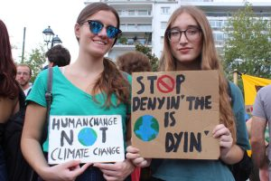Athènes. Photos de la grève sur le changement climatique place Syntagma