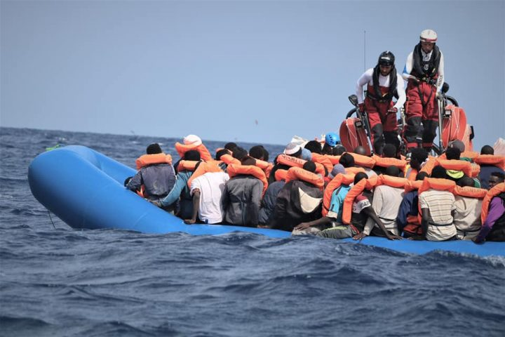 Ocean Viking salva a 50 migrantes. Otro intento de suicidio de Alan Kurdi