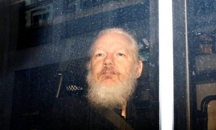 Britischer Richter inhaftiert Assange auf unbestimmte Zeit, trotz Ende der Haftstrafe