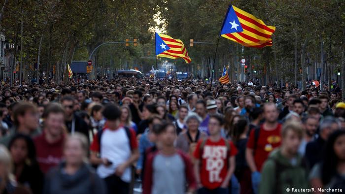 Catalães mantêm pressão em segundo dia de protestos