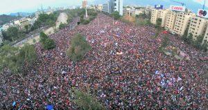Les persones que prenen els carrers a cada continent exigint un sistema humanitzat