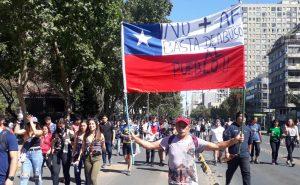 Chile: 4° día con toque de queda