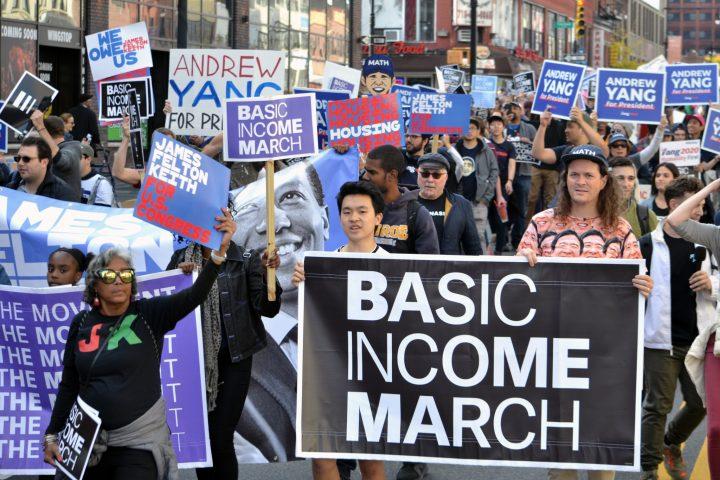Marsch fürs bedingungslose Grundeinkommen von Harlem bis zur Bronx